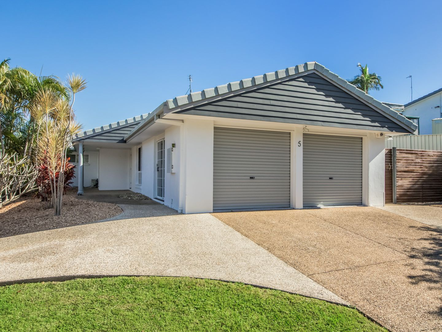 5 Carnoustie Court, Robina QLD 4226, Image 0