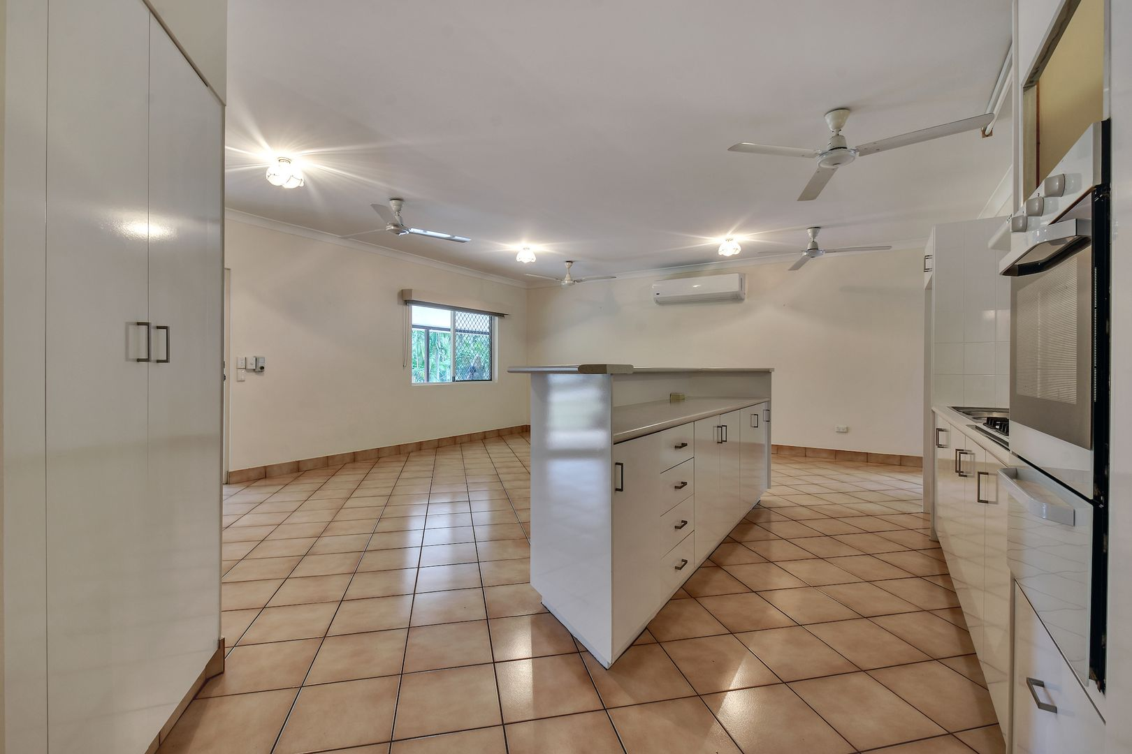 8 Brumby Court, Marlow Lagoon NT 0830, Image 2