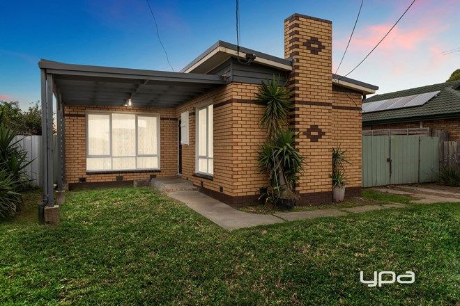 Picture of 60 Gladstone Street, ST ALBANS VIC 3021