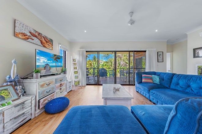 Picture of 25 Rattray Avenue, HIDEAWAY BAY QLD 4800