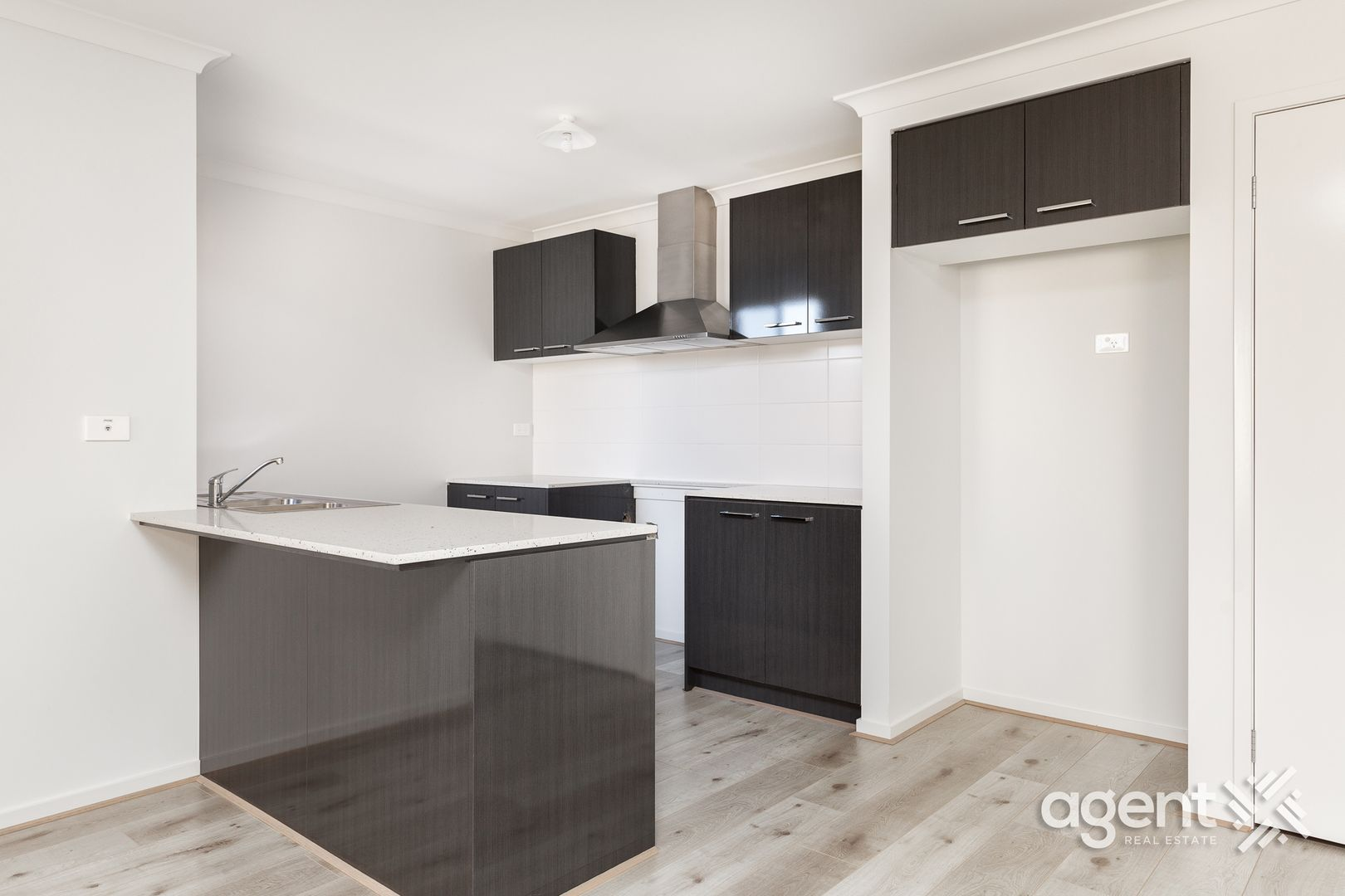 12 Tin Alley Avenue, Clyde VIC 3978, Image 2