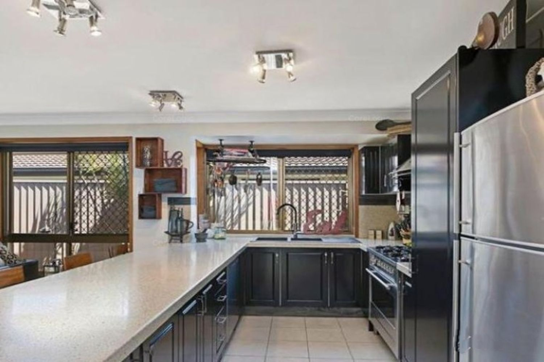 64 Dorsal Drive, Birkdale QLD 4159, Image 2