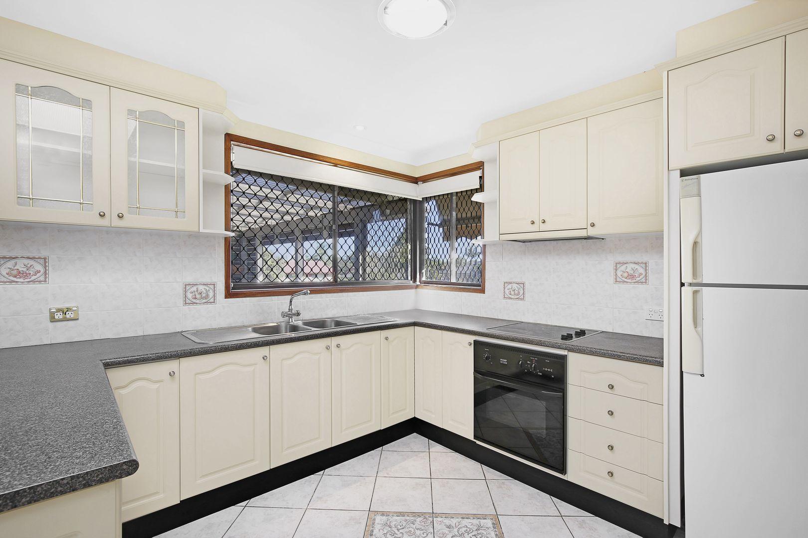 3 Malory Close, Wetherill Park NSW 2164, Image 1