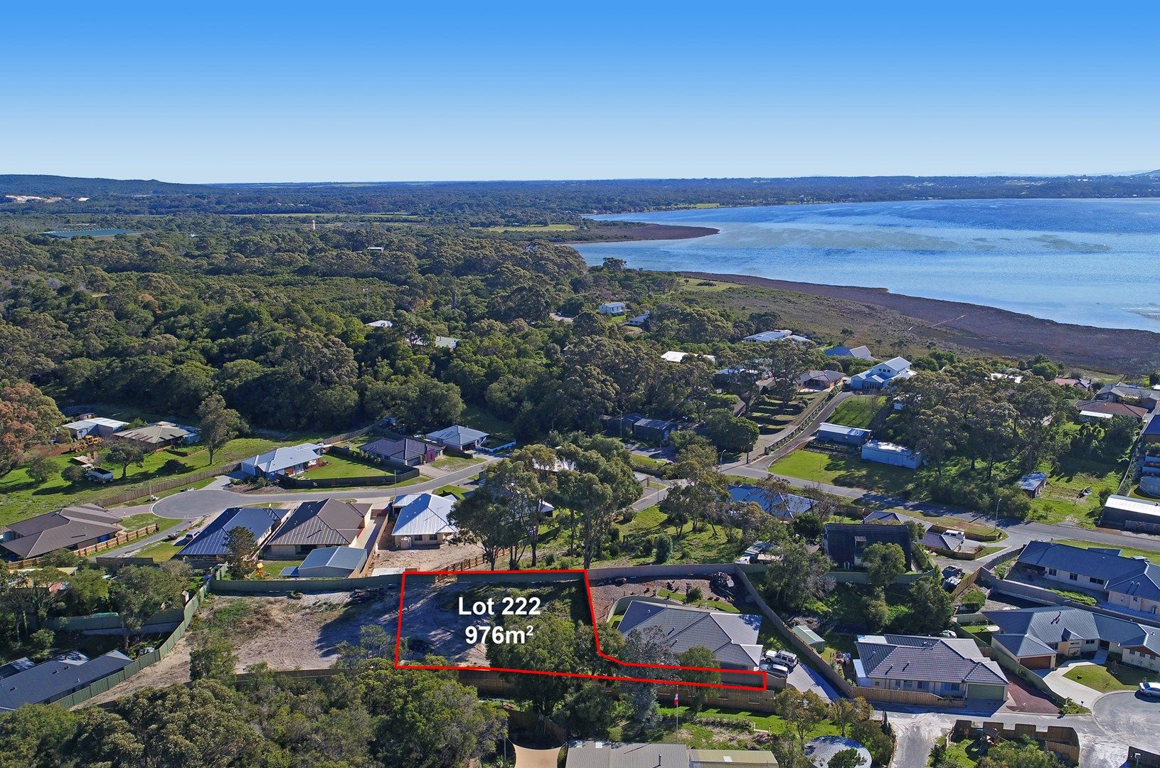 18 Blackswan Court, Little Grove WA 6330, Image 2