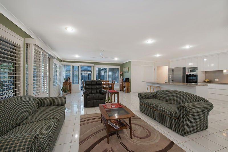 12 Coolabah Cresent, Bridgeman Downs QLD 4035, Image 1