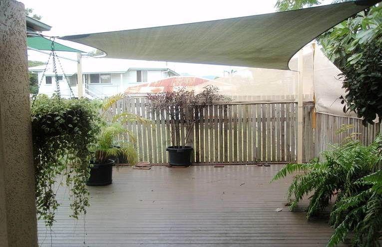 2/7 Tuffley Street, West End QLD 4810, Image 1