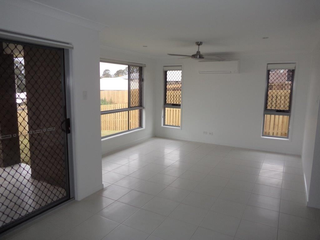 1/19 Sanctuary Drive, Cranley QLD 4350, Image 1