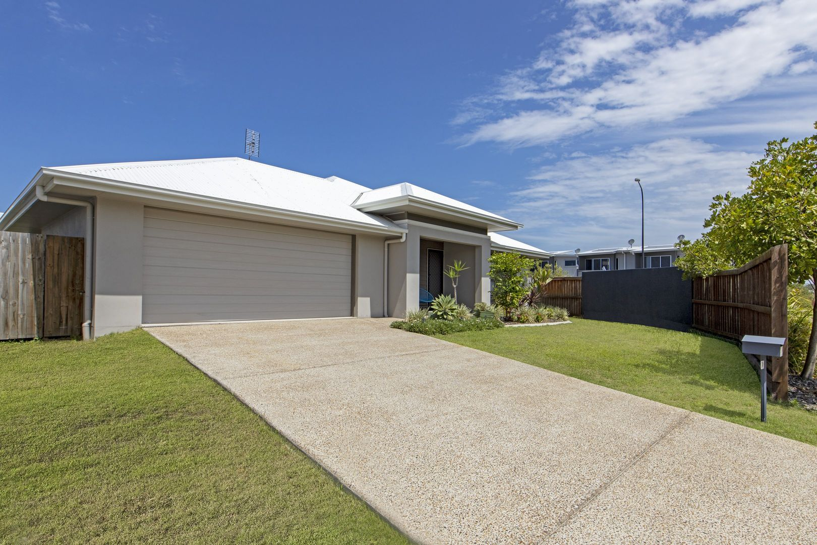 2 Newry Place, Mountain Creek QLD 4557, Image 0