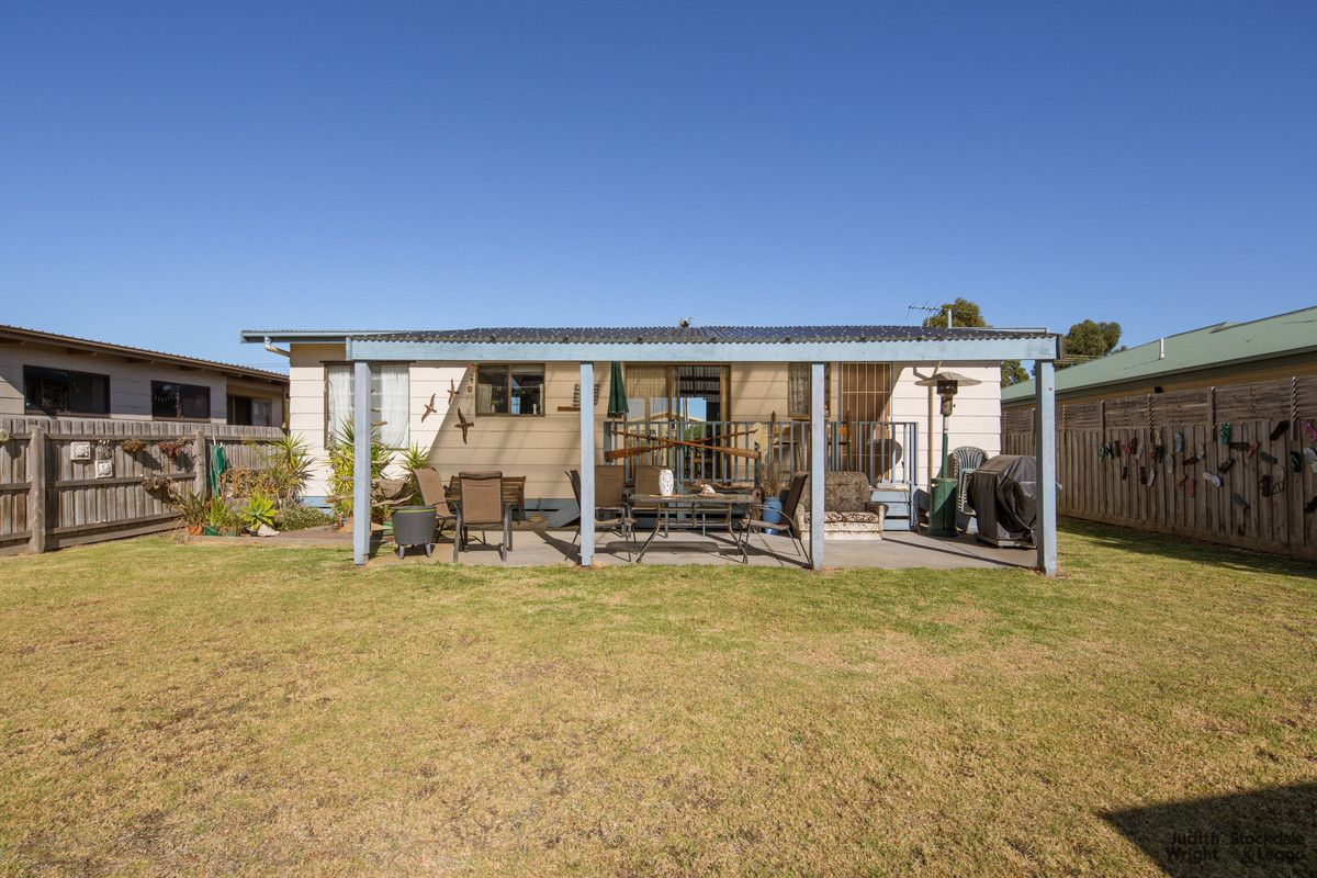 5 Irving Road, Cowes VIC 3922, Image 2