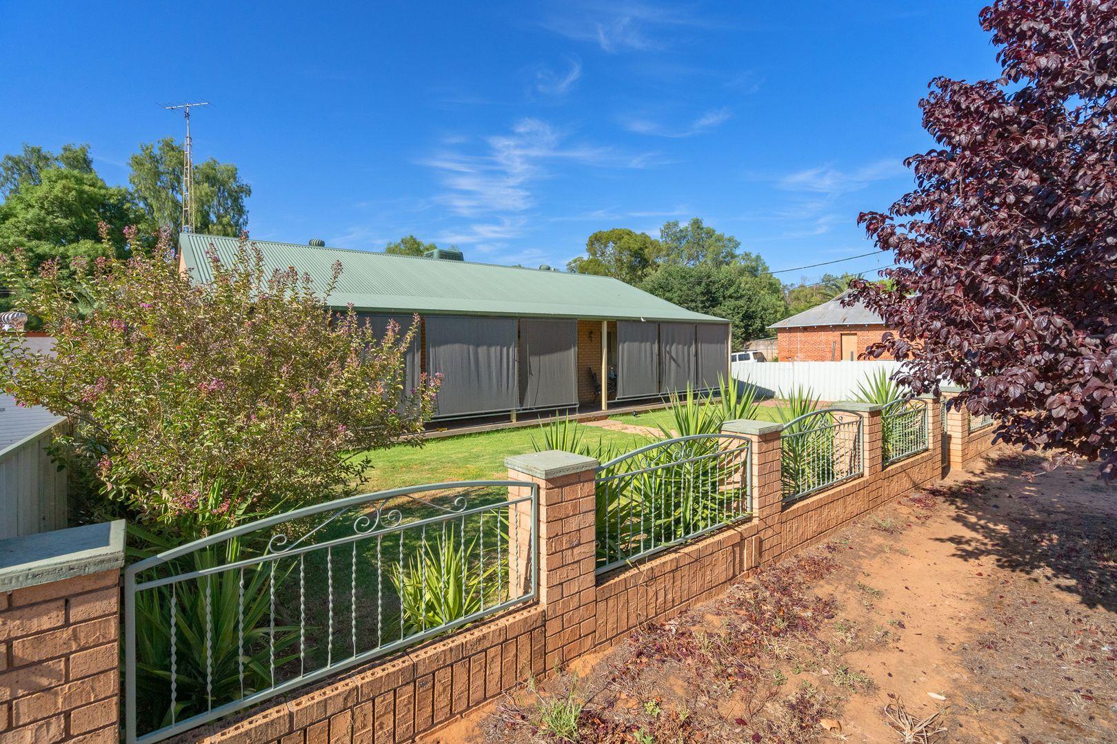 142 Larmer Street, Narrandera NSW 2700, Image 0