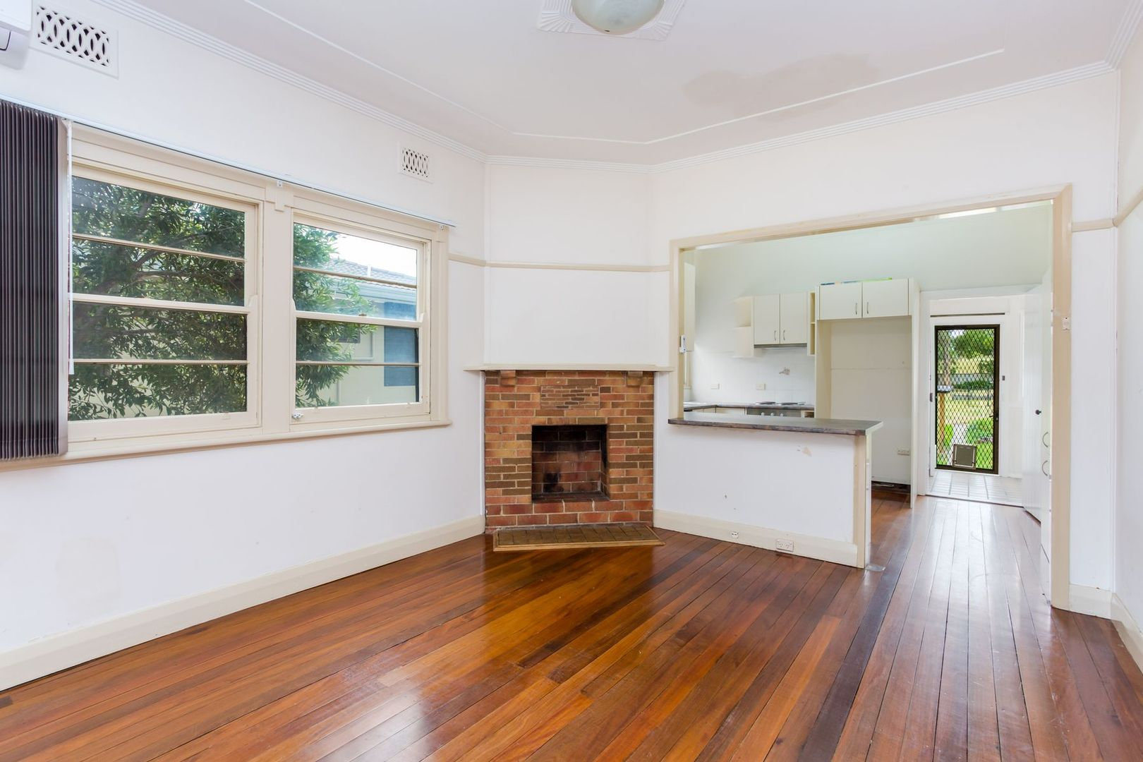 17 Eighth Street, Speers Point NSW 2284, Image 2