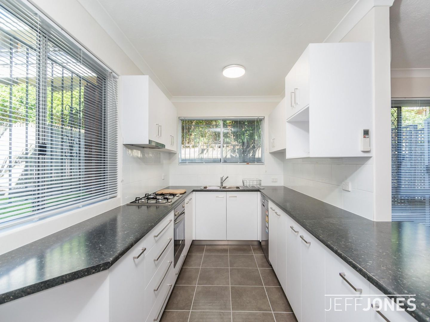 1/558 Logan Road, Greenslopes QLD 4120, Image 2