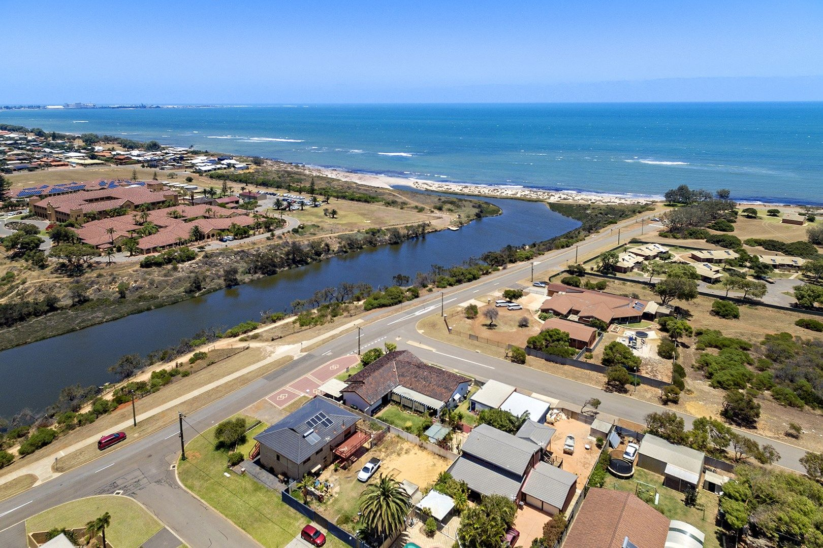 28 Swan Drive, Sunset Beach WA 6530, Image 2