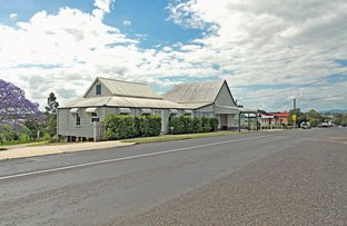 Picture of 25A & B Park St, Lowood QLD 4311