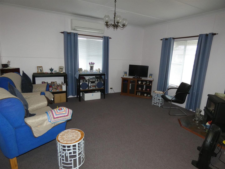 9 Jimbour Street, Jandowae QLD 4410, Image 2