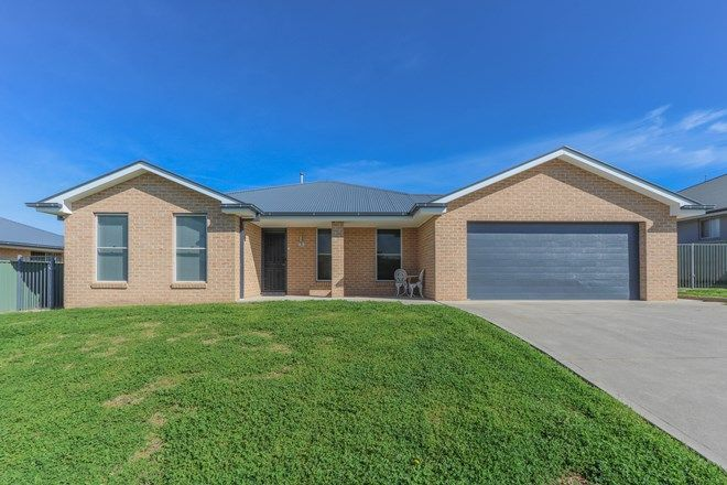 Picture of 33 Federation Drive, KELSO NSW 2795