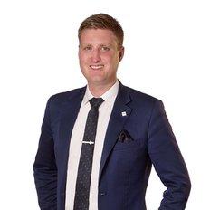 Gareth Apswoude, Sales representative