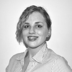 Chloe Collins, Sales representative