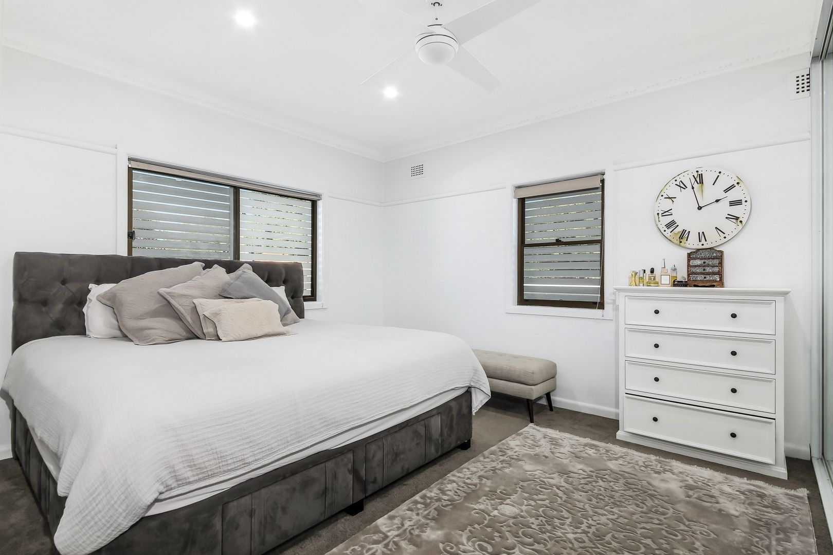 54 Beale St, Georges Hall NSW 2198, Image 2
