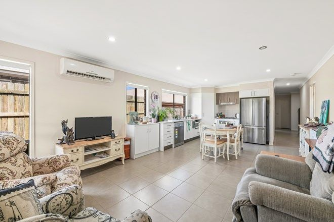 Picture of 1/4 Abbey Street, CRANLEY QLD 4350