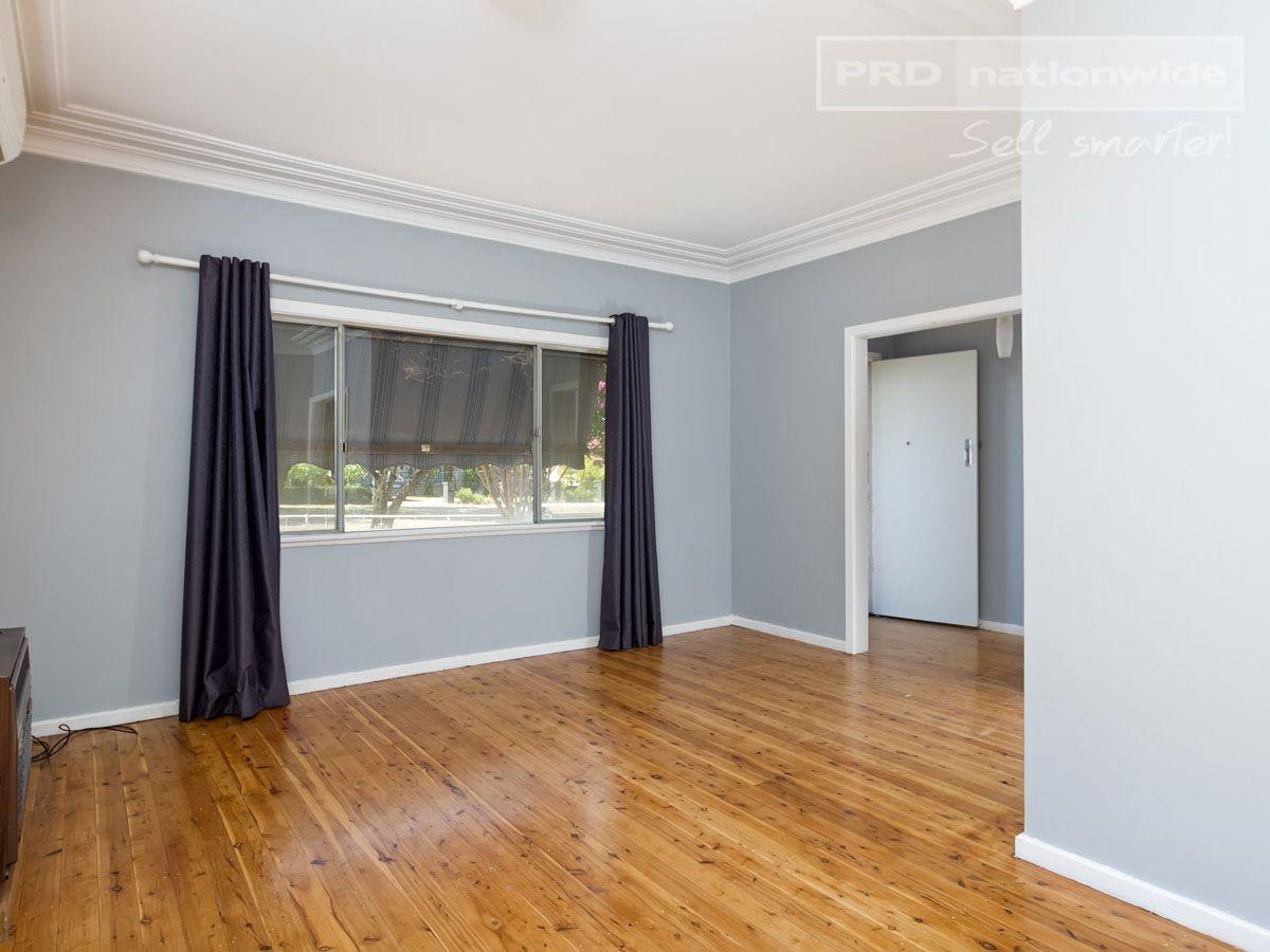86 Tichborne Avenue, Kooringal NSW 2650, Image 2