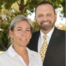 Team Notte Roberto and Marisa, Sales representative
