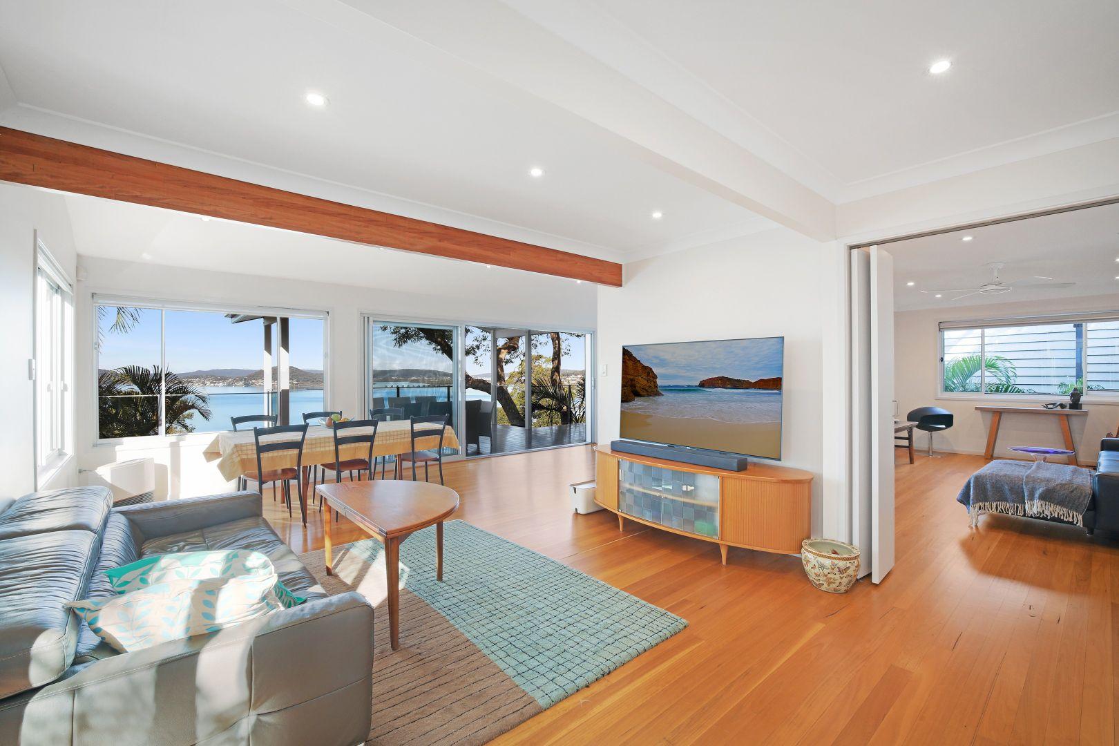 24 Sandstone Crescent, Tascott NSW 2250, Image 2