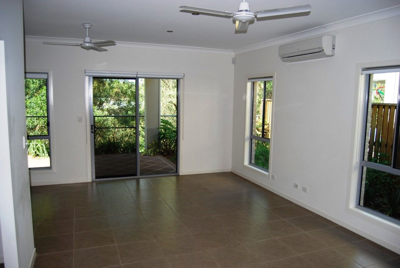 4/16-18 Geoff Wolter Drive West, Molendinar QLD 4214, Image 1