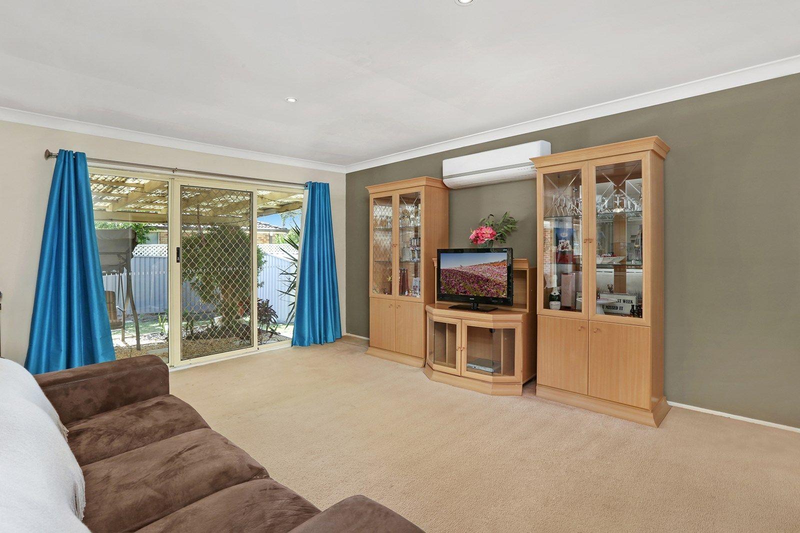 35 Twinlakes Drive, Lake Haven NSW 2263, Image 2