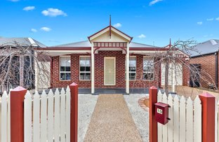 Picture of 10 Rosella  Crescent, Caroline Springs VIC 3023