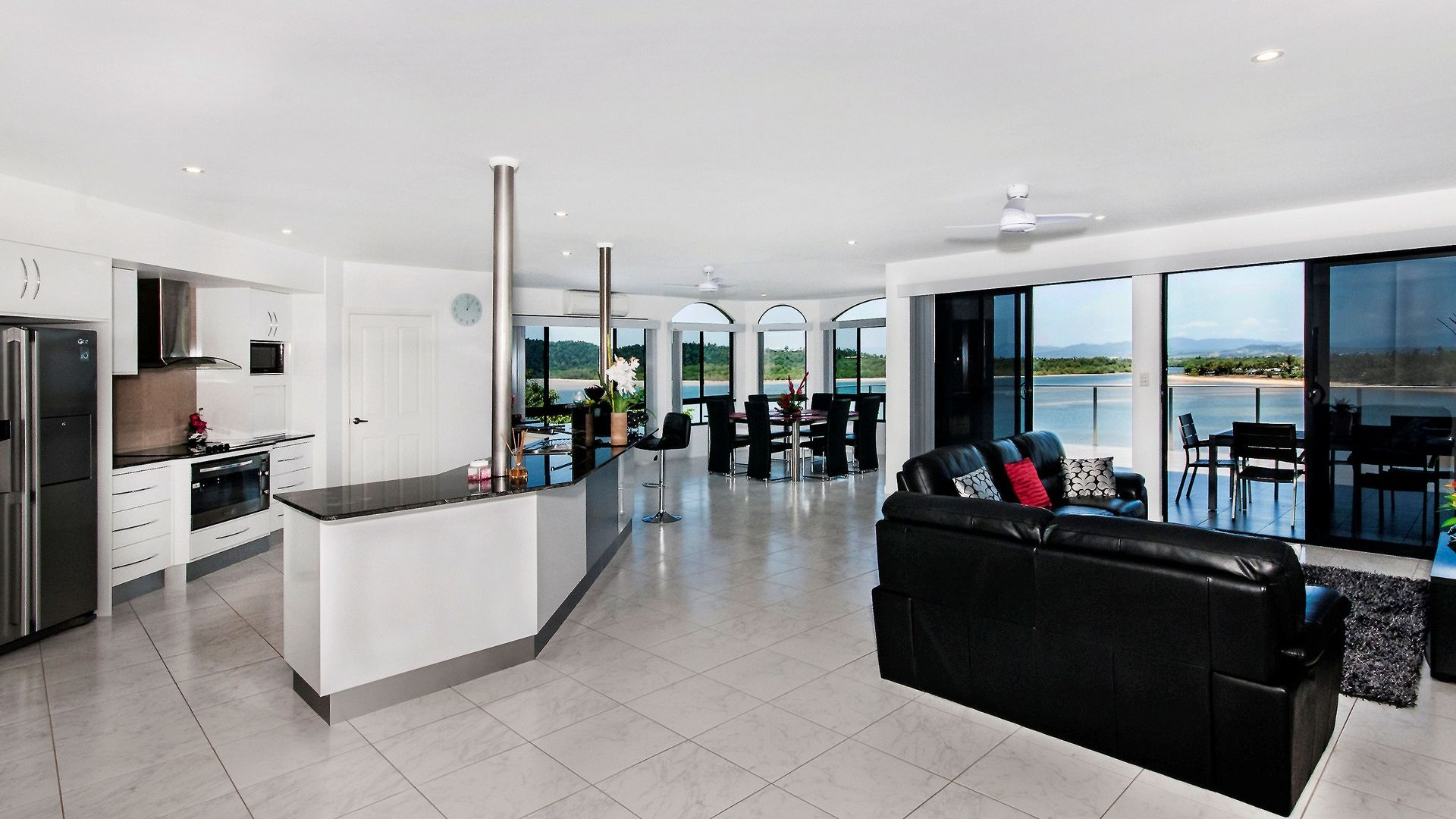 11 Maria Street, Flying Fish Point QLD 4860, Image 1