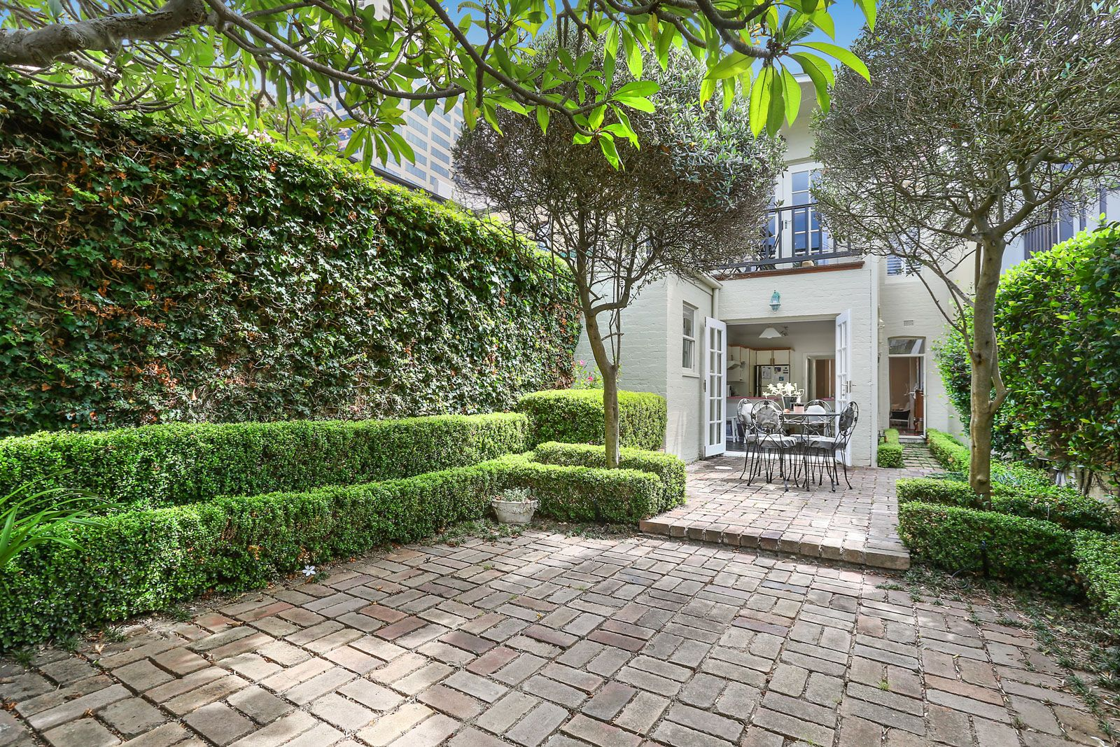 ELEVEN Junction Street, Woollahra NSW 2025, Image 2