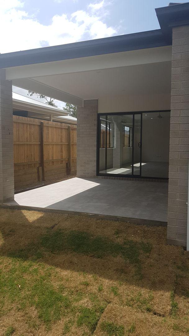 1/43A Pinelands Street, Loganlea QLD 4131, Image 2
