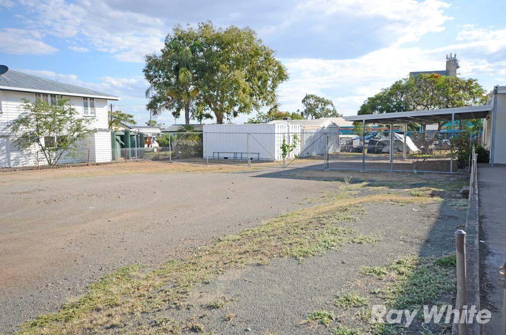 125-127 Kariboe Street, Biloela QLD 4715, Image 2