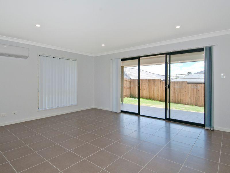 77 East Beaumont Road, Park Ridge QLD 4125, Image 2