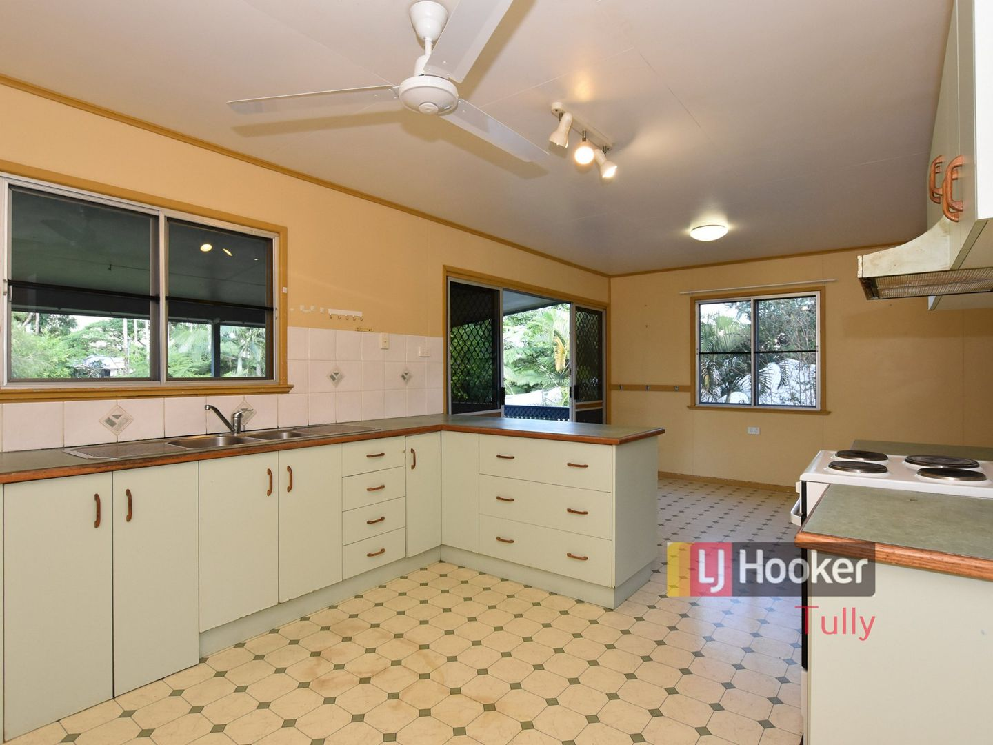 4 Cairns Street, Tully QLD 4854, Image 1