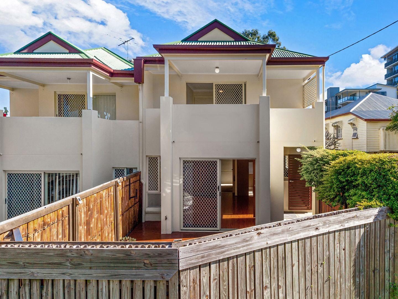 3 bedrooms Townhouse in 3/8 Amisfield Avenue NUNDAH QLD, 4012