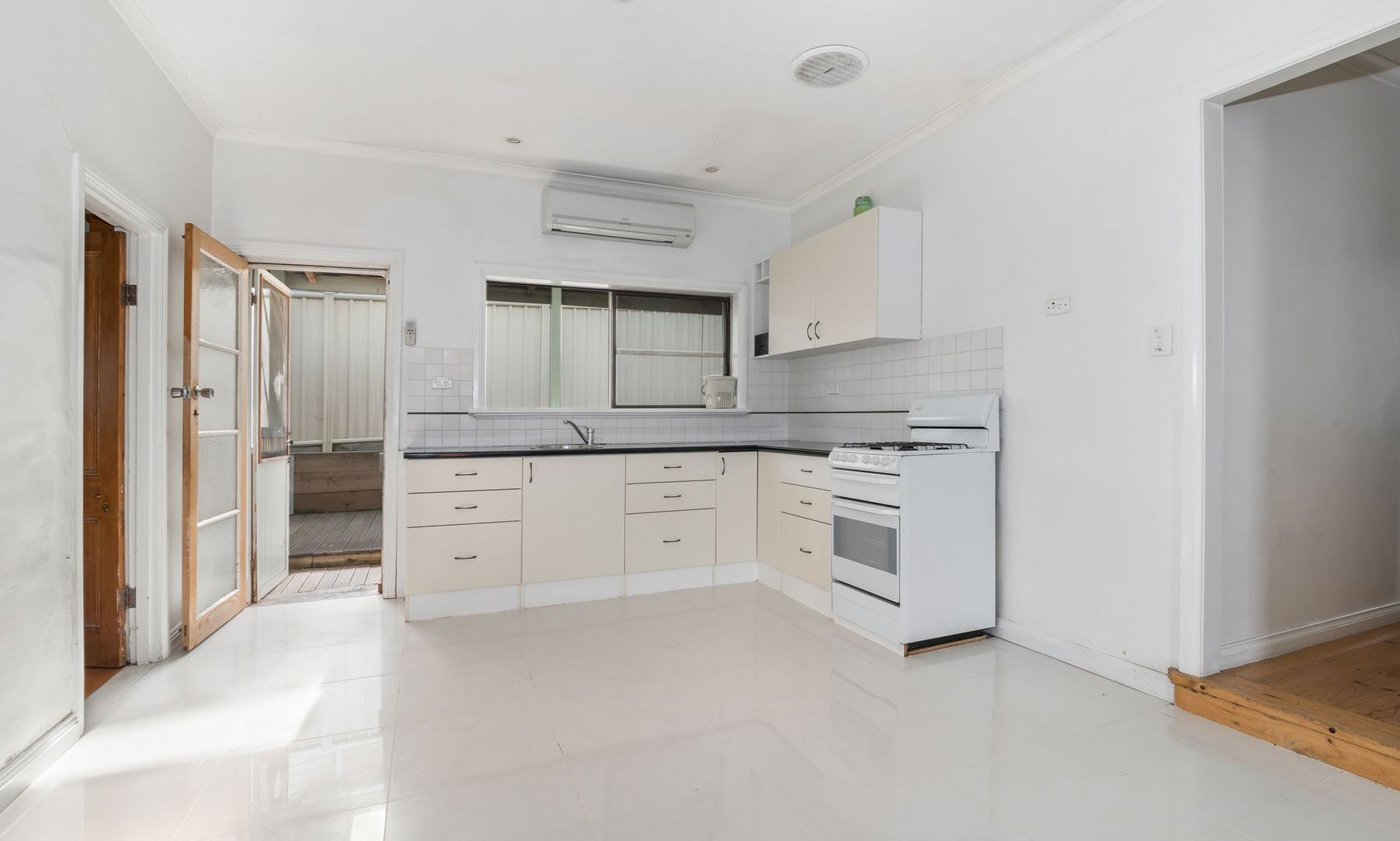 1 Burn Street, Golden Square VIC 3555, Image 2