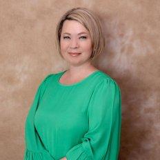 Gabby Sawyer, Director / Sales Agent