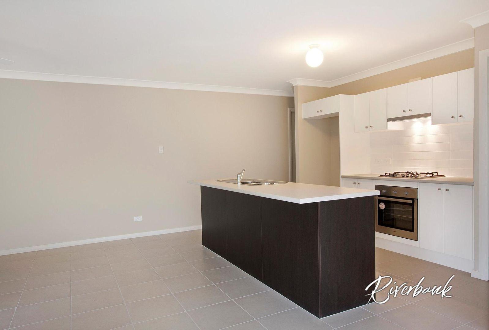 38 Asimus Circuit, Elderslie NSW 2570, Image 2
