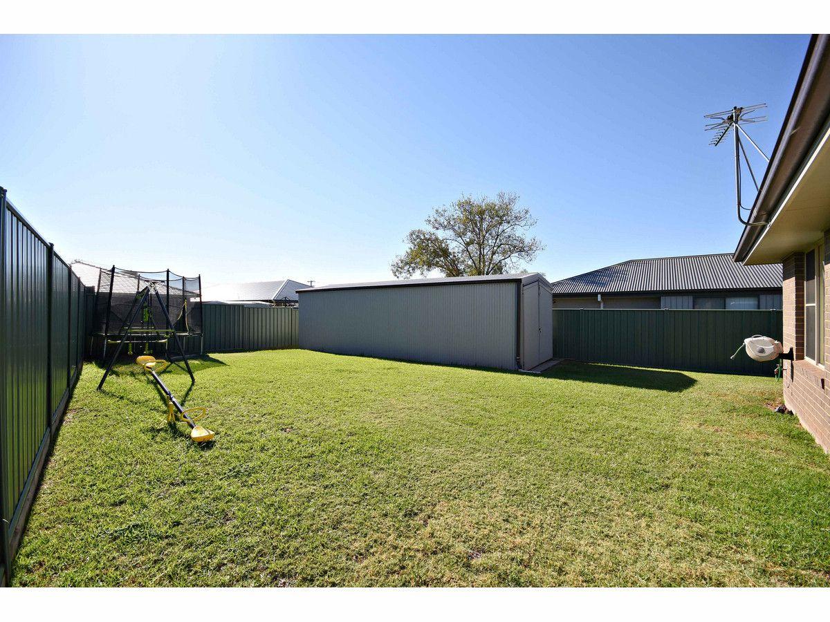 63 Catherine Drive, Dubbo NSW 2830, Image 2