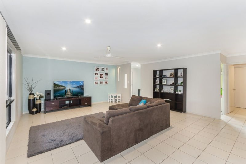 8 Bronte Court, Bushland Beach QLD 4818, Image 2
