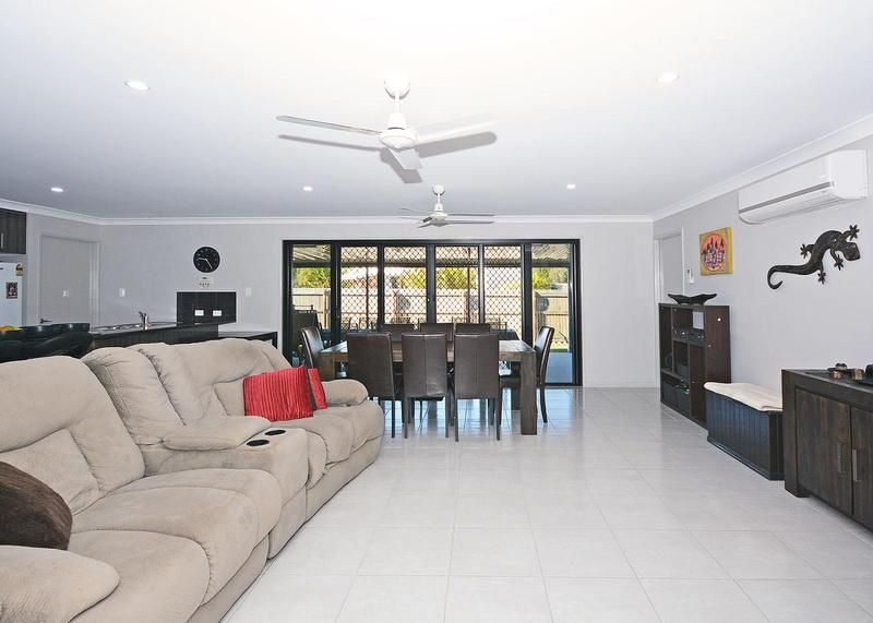 13 Lakes Blvd, Burrum Heads QLD 4659, Image 2
