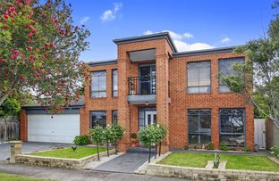 2 Larkspur   Close, Epping VIC 3076