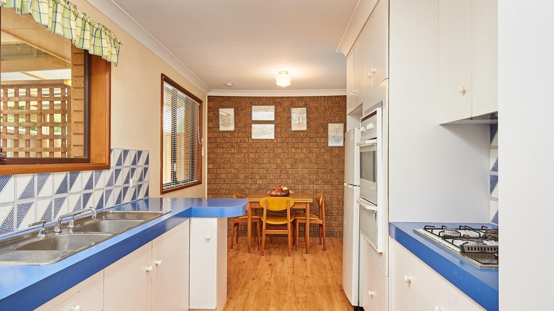 7 Vanda Street, Lake Albert NSW 2650, Image 2