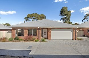 Picture of 2/28 Gordon Crescent, Romsey VIC 3434