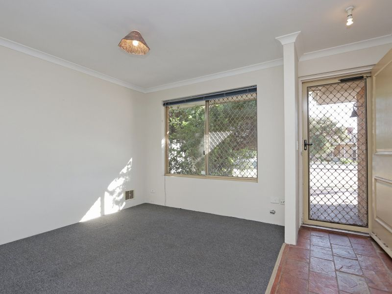 21 Kinghorn Place, Redcliffe WA 6104, Image 1