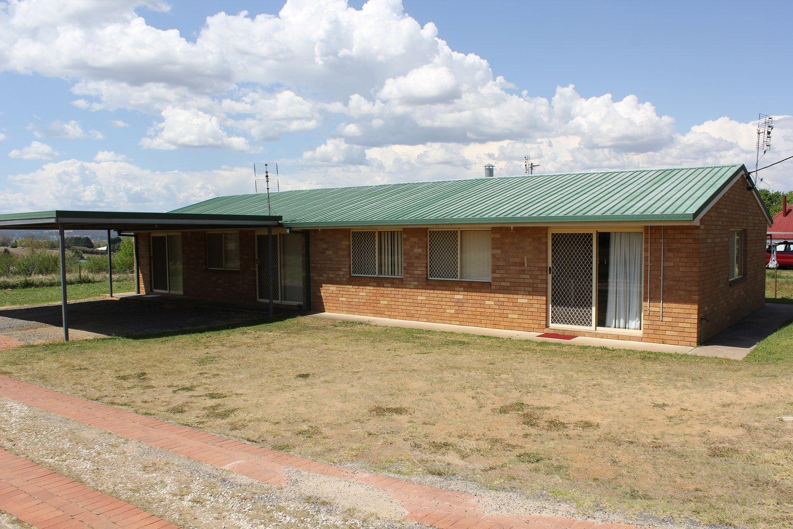 1/102 Cowper St, Tenterfield NSW 2372, Image 0