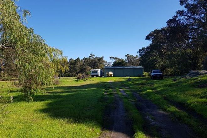 Picture of 15 Robinson Road, MOUNT ELPHINSTONE WA 6330