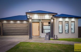 Picture of 21 Lucerne Street, Tarneit VIC 3029